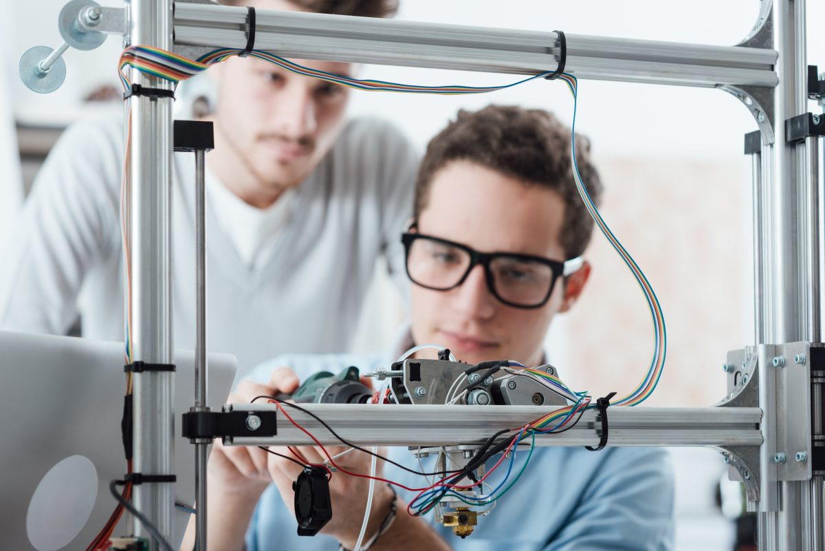 Young engineers 3D printing